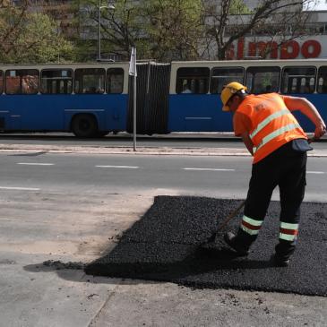 Поправка саобраћајница на траси предстојећег 24.Новосадског маратона