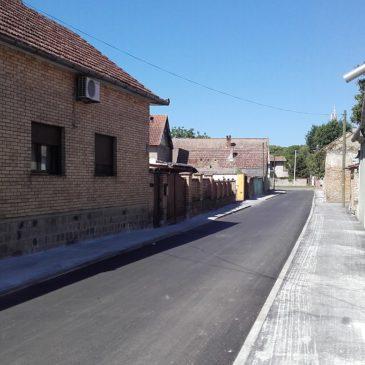 Завршени радови на пресвлачењу коловоза у неколико улица у Петровардину