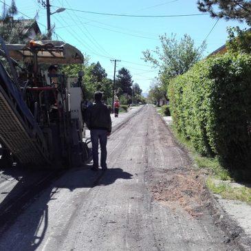 Пресвлачење коловоза у Улици Паје Радосављевића на Клиси