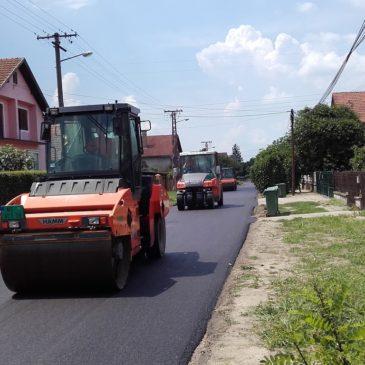 Интензивни асфалтерски радови ПУТ-а у Ветернику