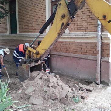Поправка тротоара у Косте Нађе у Петроварадину и Веселина Маслеше на Детелинари