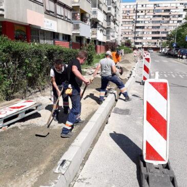 Измена режима саобраћаја због радова у Улици Драгише Брашована